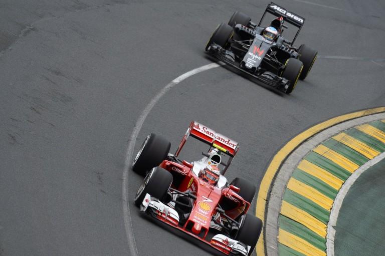 Alonso boldog, mert ma a McLaren-Honda minden gond nélkül futott
