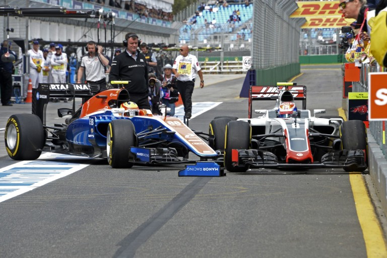 Videón, ahogy az indonéz F1-es újonc lezúzza a Haast