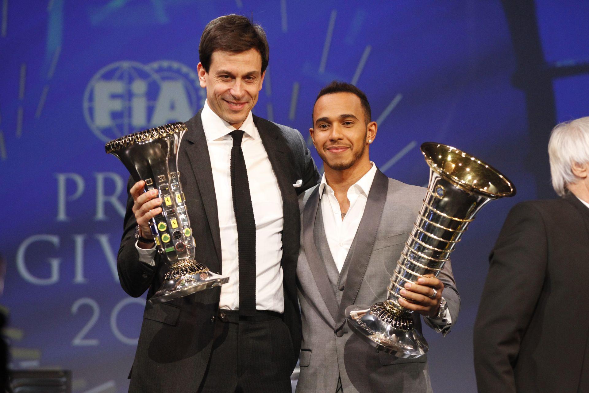 """Hamilton édesapja: """"Lewis még jobb lesz, és még legalább 7 évig a Forma-1-ben marad"""""""