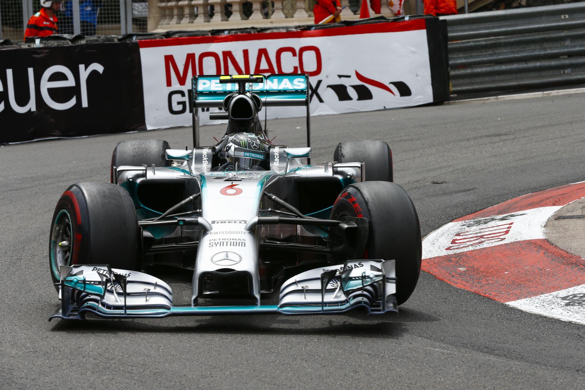 A Mercedes fejlesztgetett a tél folyamán, de semmi extra...