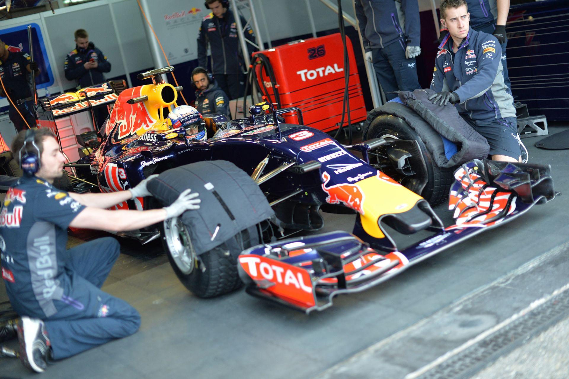 """Szóltak a Pirellinek, olyan gumi kell, ami bírni fogja az """"új"""" F1-et"""