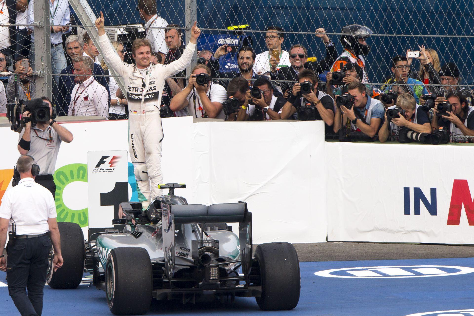 Mexikói Nagydíj: A pillanat, amikor Rosberg, Hamilton és Bottas megérkezik