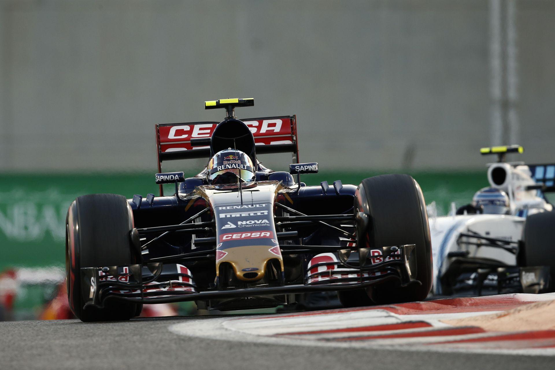 Verstappen fájdalmas futammal zárta a szezont, míg Sainz örül, hogy kihozta az autóból a maximumot!