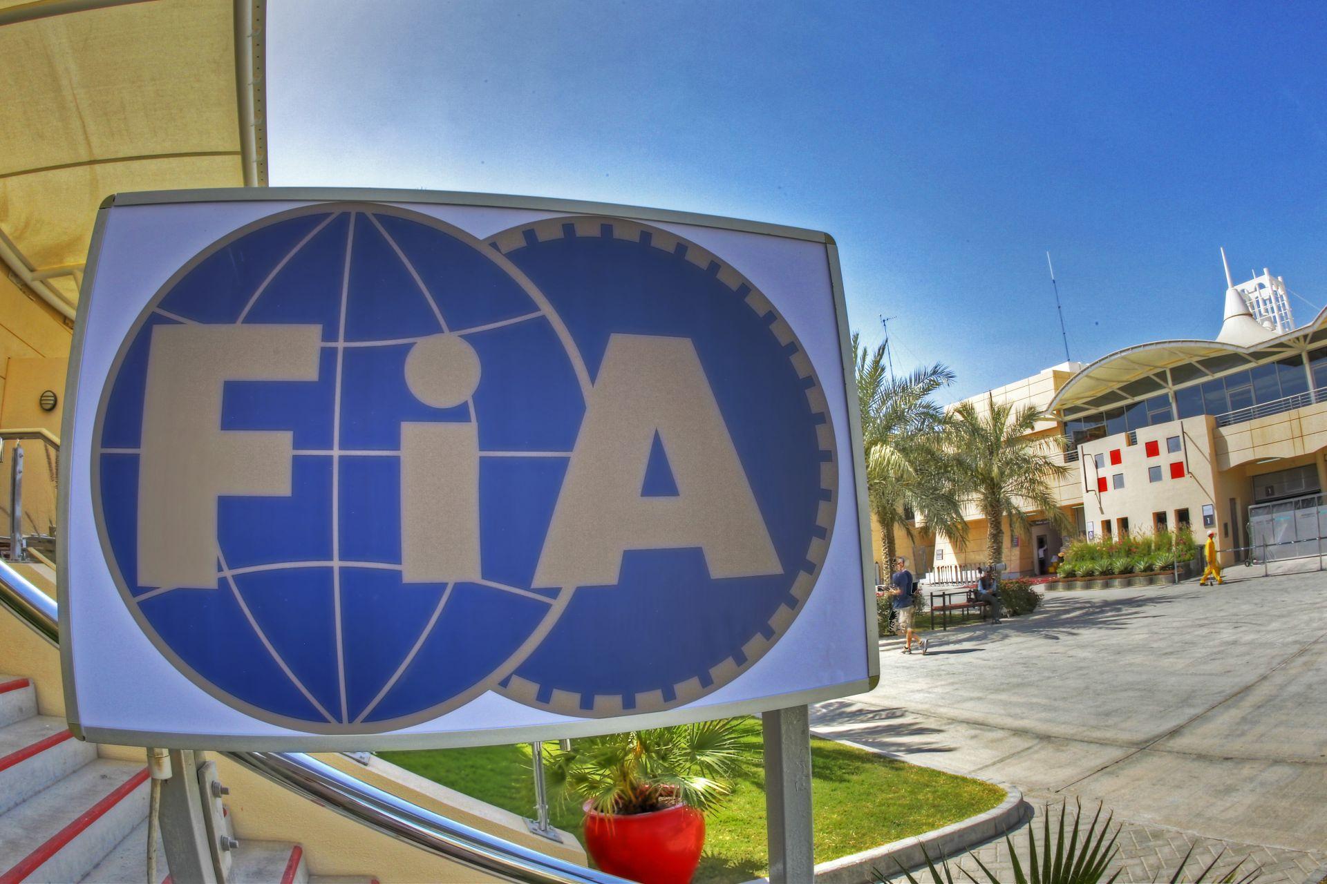 FIA: ha rendben lesz Sainz, rajthoz állhat vasárnap