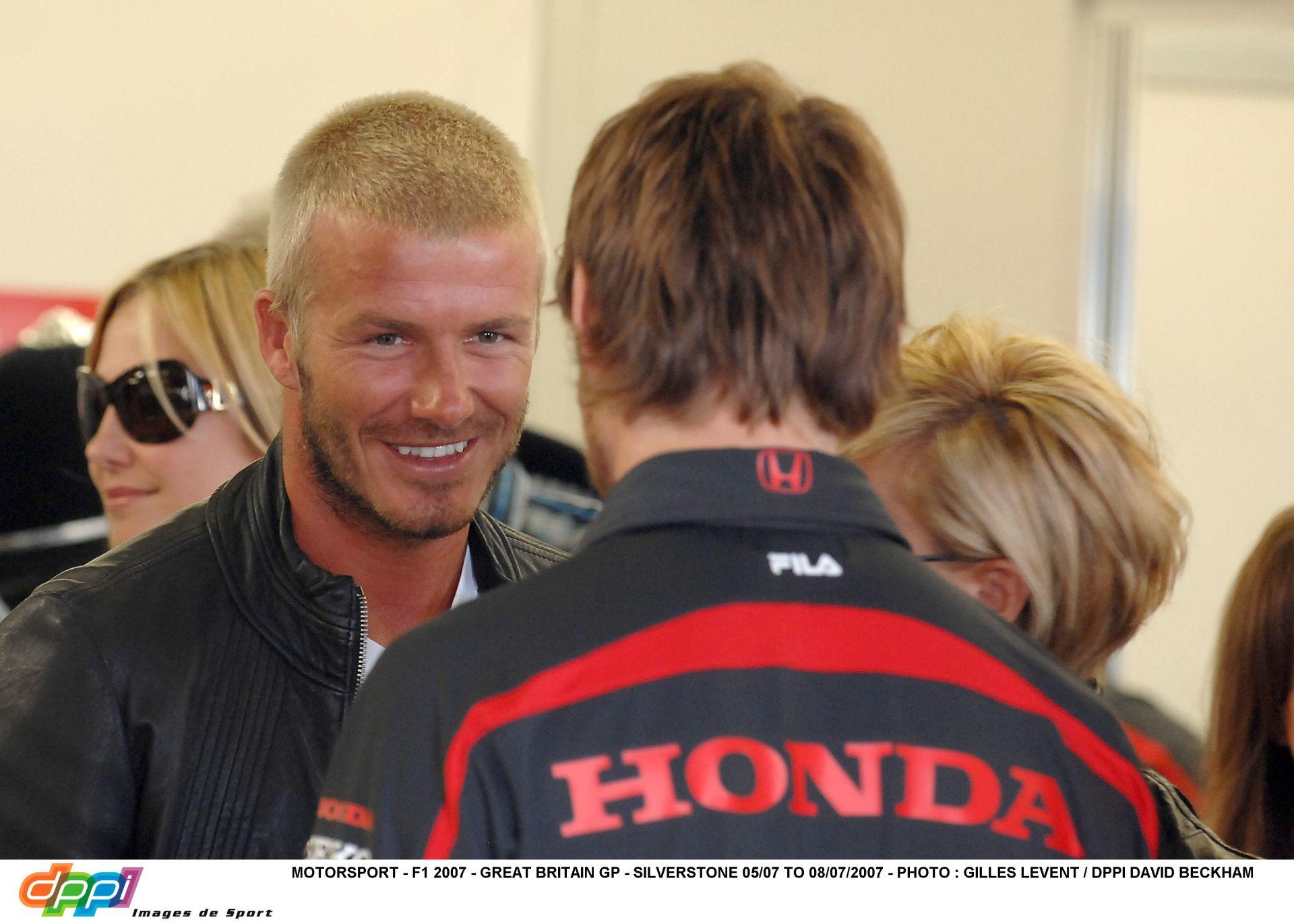 Ricciardo bekeményít: Beckham menedzsere intézi ezentúl az ügyeit