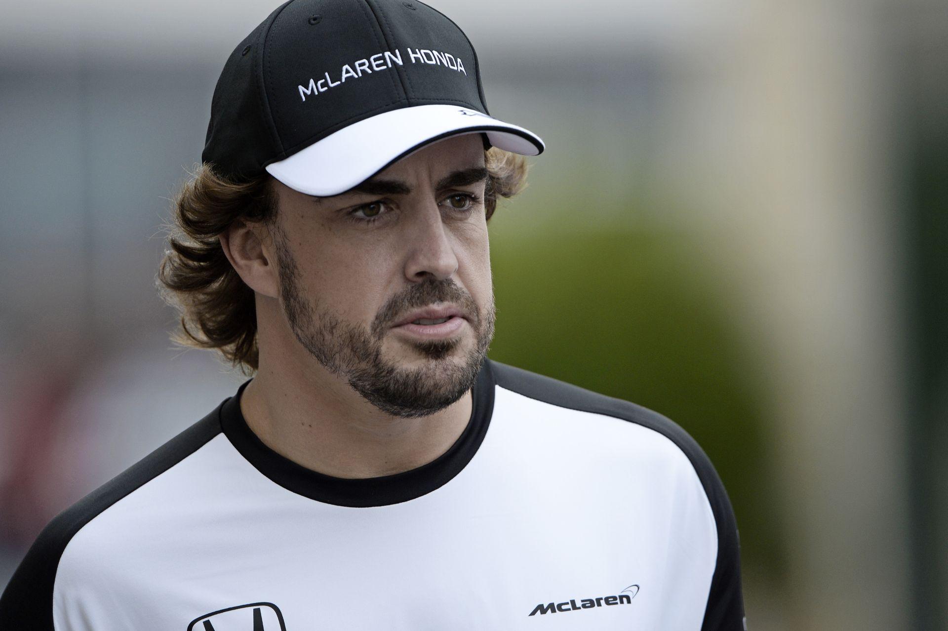 Alonso unja, hogy mindig Hamilton nyer és már csütörtökön tudja, mi lesz a végeredmény