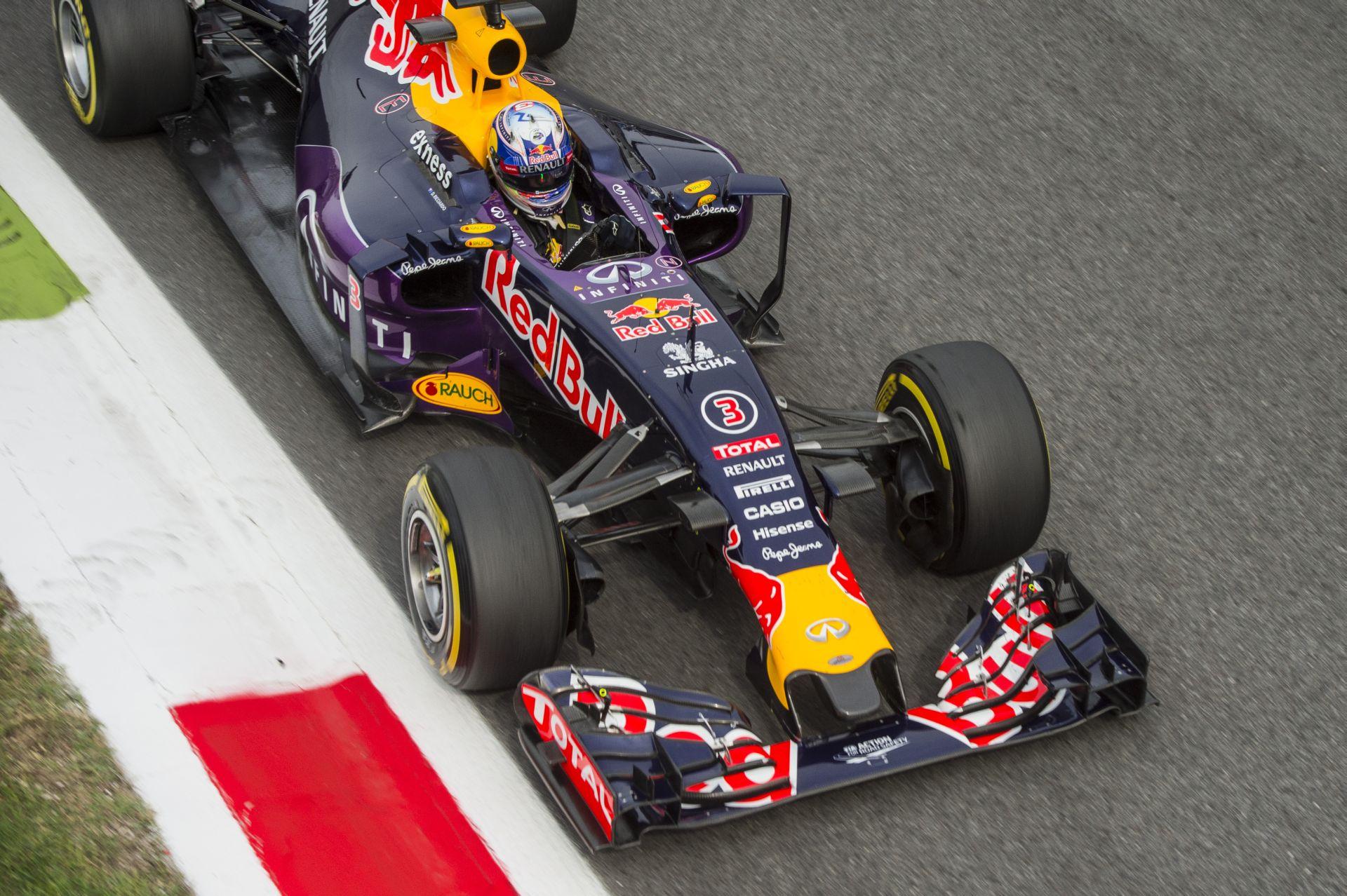 Ricciardo: WOW! 1 óra 40 perc alatt kicseréltük a motort!