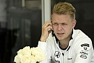A McLaren nem ragaszkodik Magnussenhez