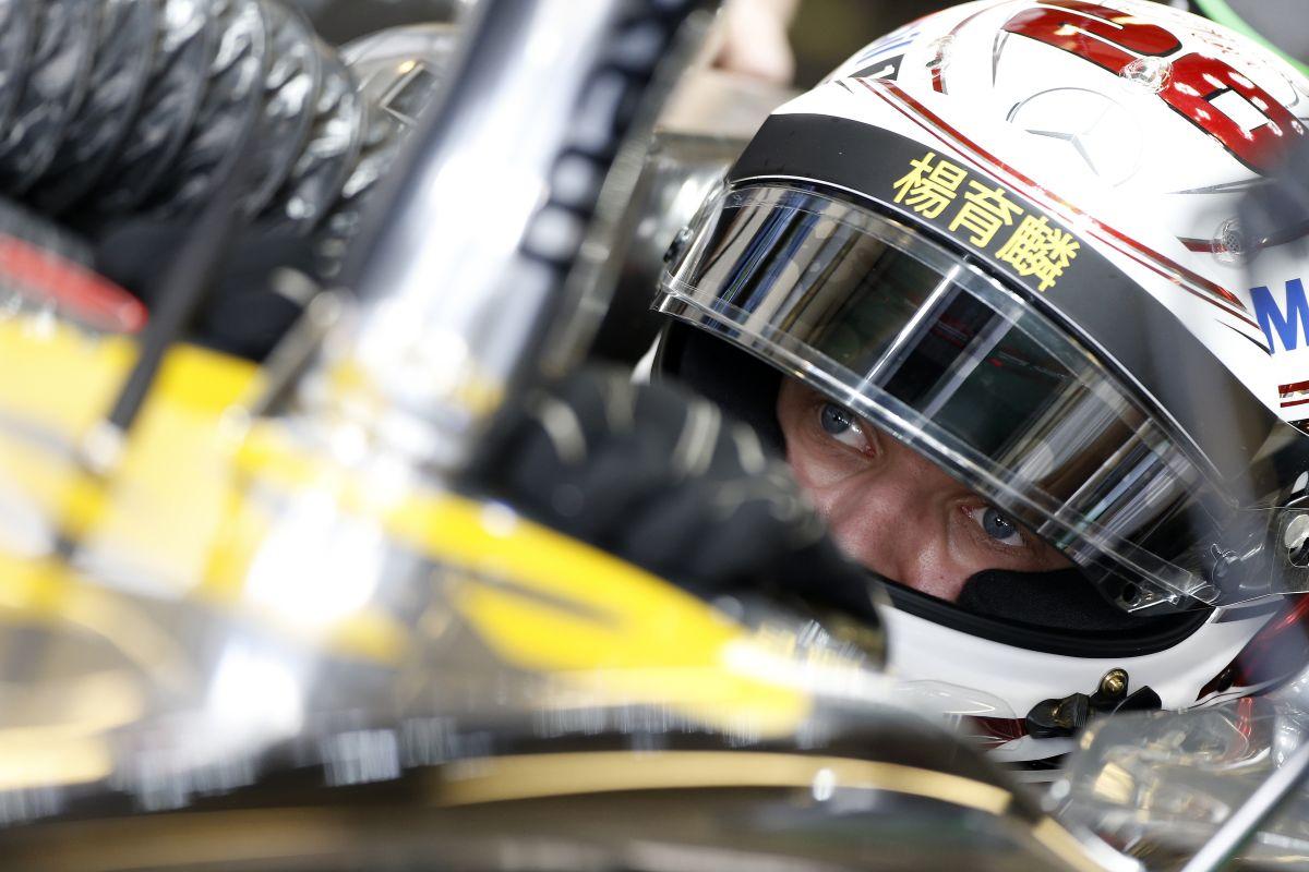 Button sajnálja, hogy elválnak az útjaik Magnussennel: a dánt frusztrálja a bizonytalanság