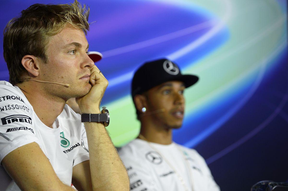 Nem igazi a béke a Mercedes versenyzői között - még egy robbanás, és a Red Bull lecsap!