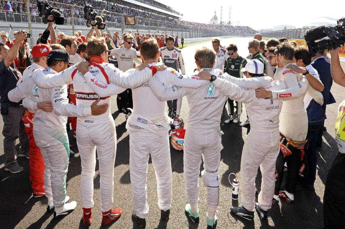 Hamilton Bianchi-nak ajánlotta a győzelmet, Grosjean elmorzsolt pár könnycseppet