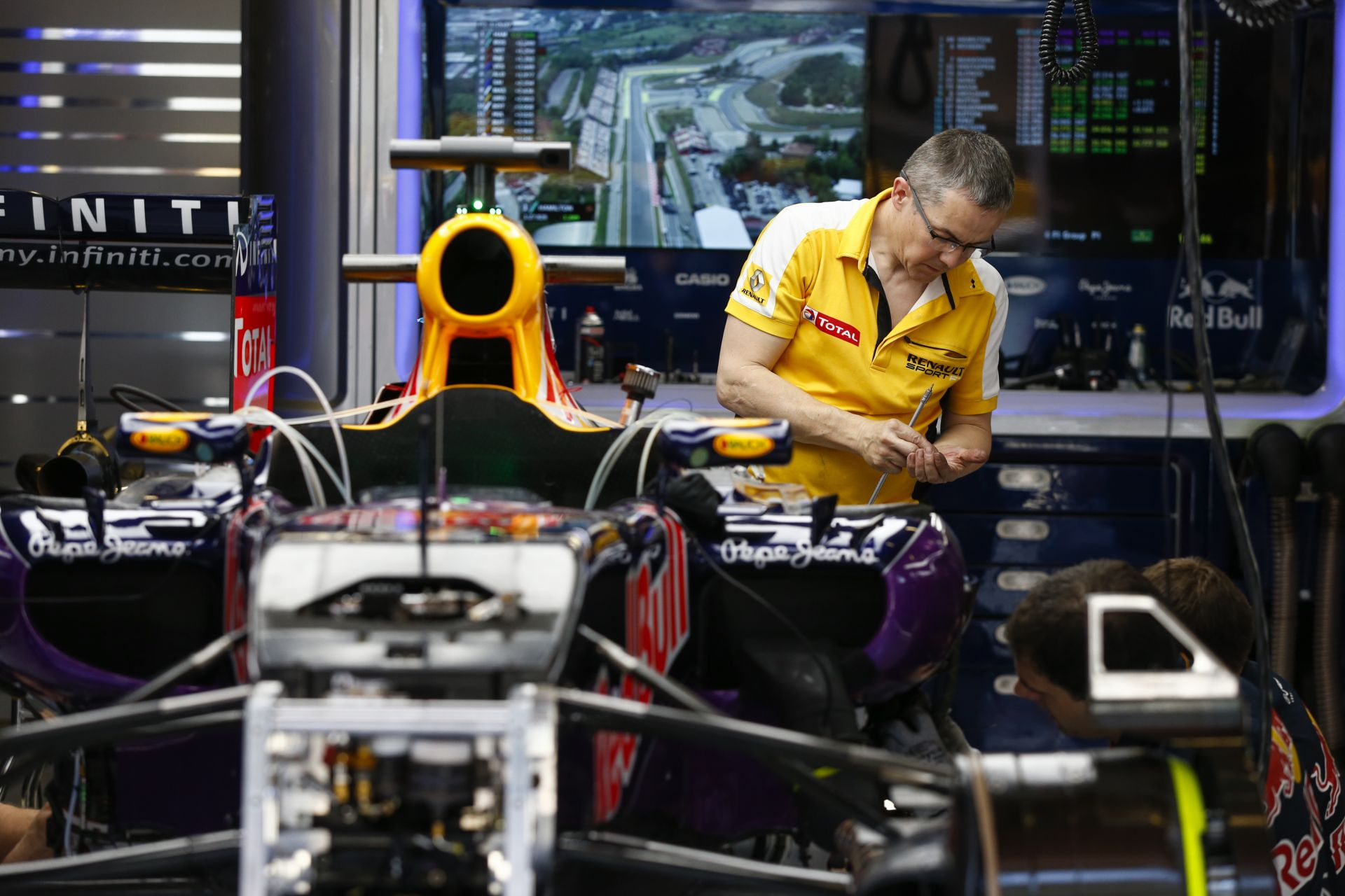 Sorsdöntő két hét áll a Renault mérnökei előtt