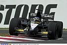 Így nyomta neki Alonso a Minardival 2001-ben Suzukában