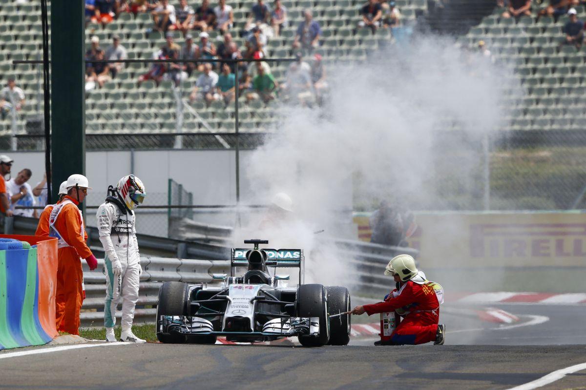 """A műszaki hibák a Mercedes """"gyengeségét"""" bizonyítják: együtt szomorkodnak Hamiltonnal"""