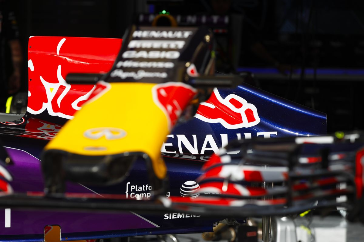 Akció közben a kemény munka gyümölcse: a Renault új specifikációt vet be Montmelóban