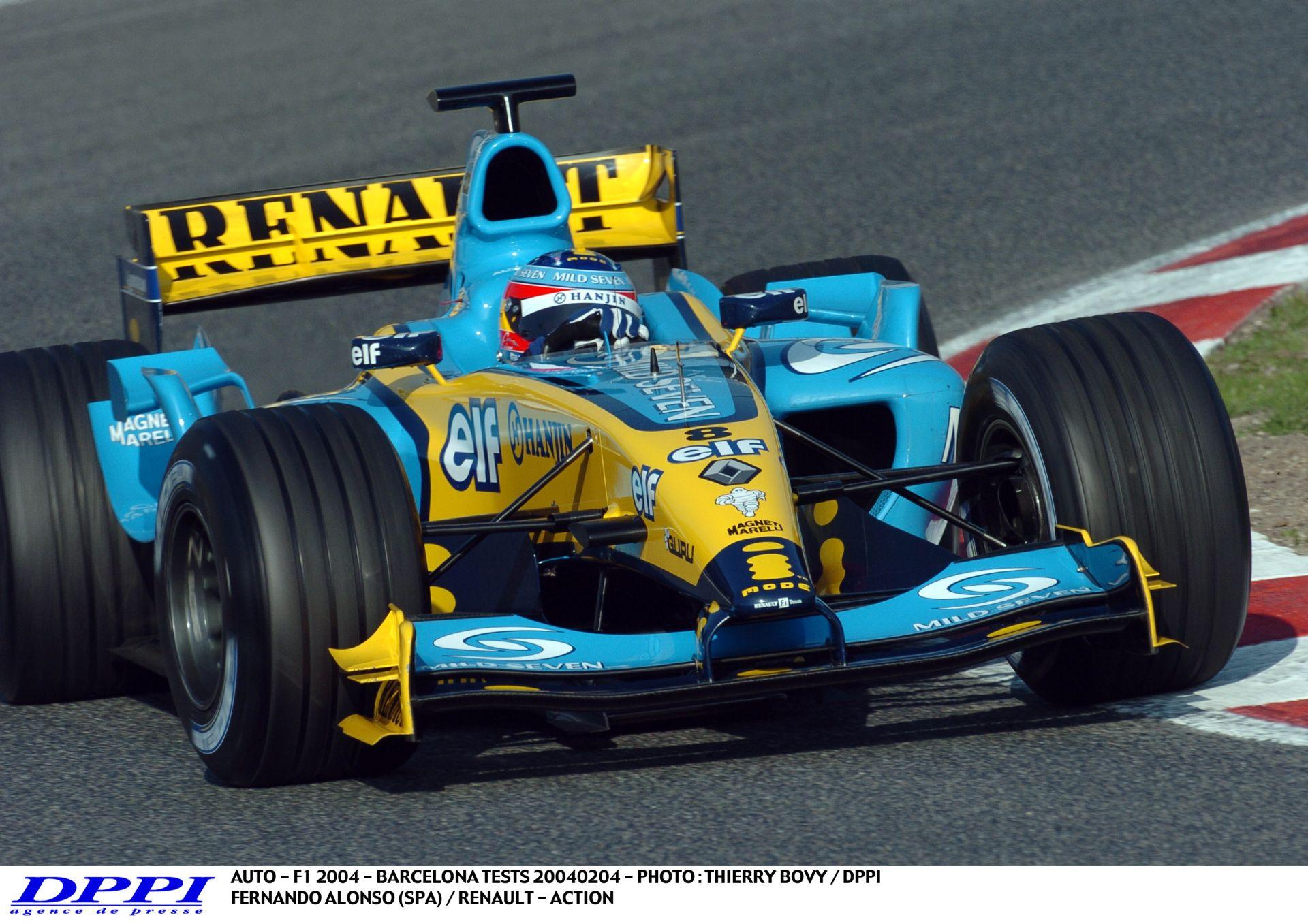 Pályabejárás Alonsóval és a 2004-es Renault-val Spa-ban