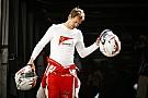 Sebastian Vettelnek fel kell kötnie a gatyáját!
