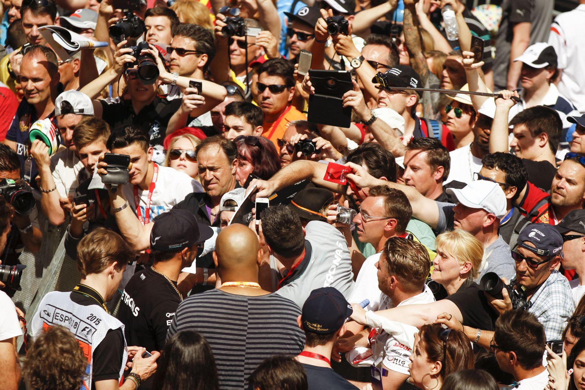 Villeneuve: Veszélyes kikérni a Forma-1-es szurkolók véleményét