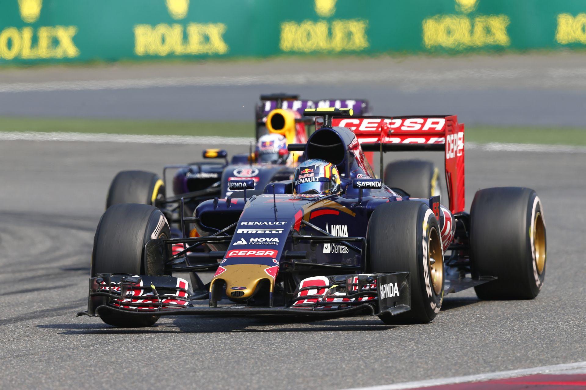 Toro Rosso: Fiatal bikák a lámpafényben