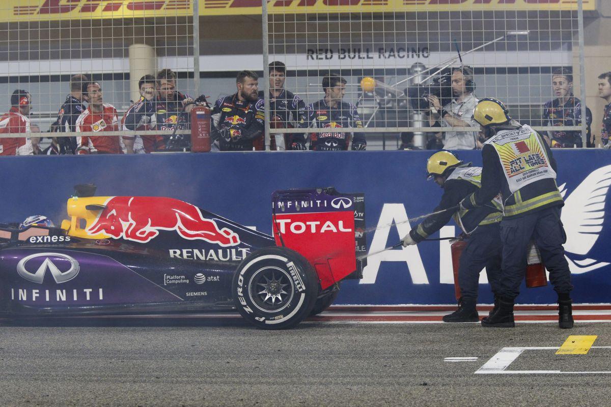 A Renault tegnap beszállt a tűzijátékba: dohányzóasztalnak jó lesz Ricciardo motorja