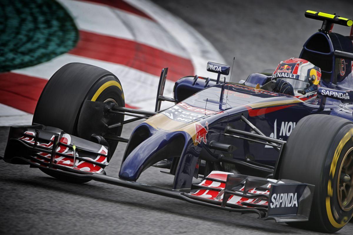 Érdekes pénteket zárt a Renault Ausztriában: egész simán ment