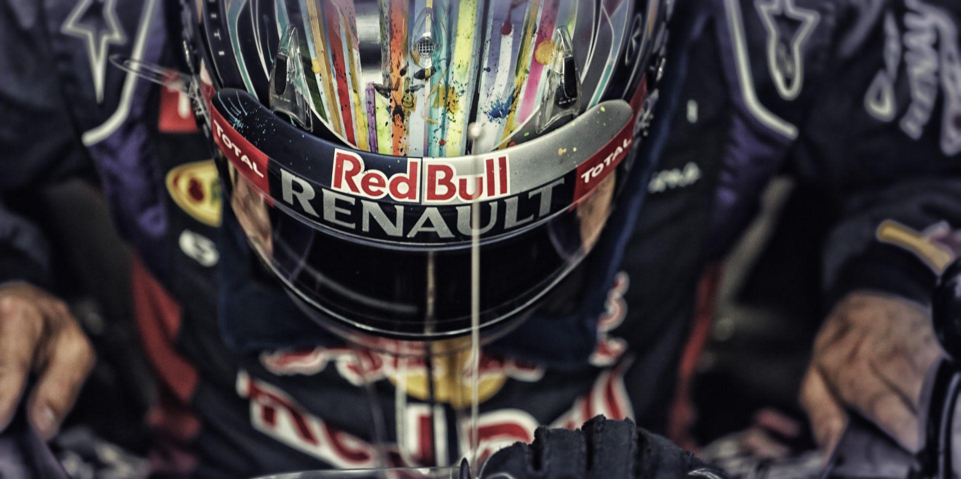 Vettel ismét kiesett, ezúttal a Red Bull Ringen! Ebből idén nem lesz címvédés