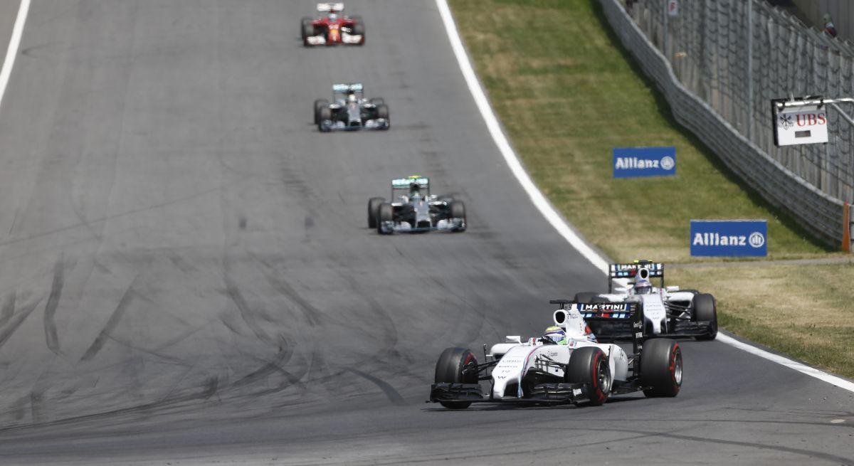 Szólnak a vészharangok: közelít a Williams, aminek Hamilton örül, Lauda kevésbé
