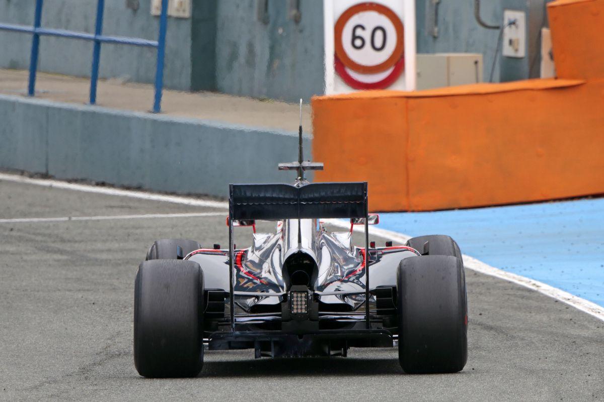 Button szerint remek a Honda-motor vezethetősége, egyébként is jó irányba halad a gyártó