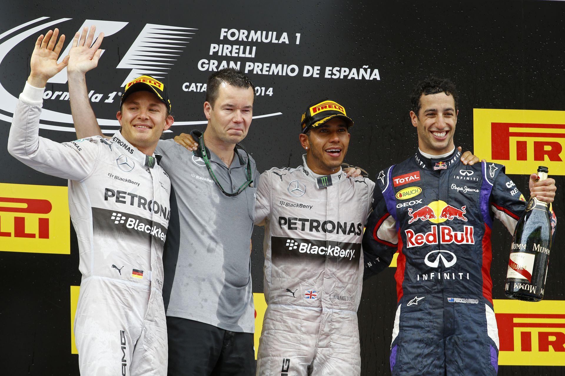Hamilton nem hiszi el, Rosberg kivan, Ricciardo elvan