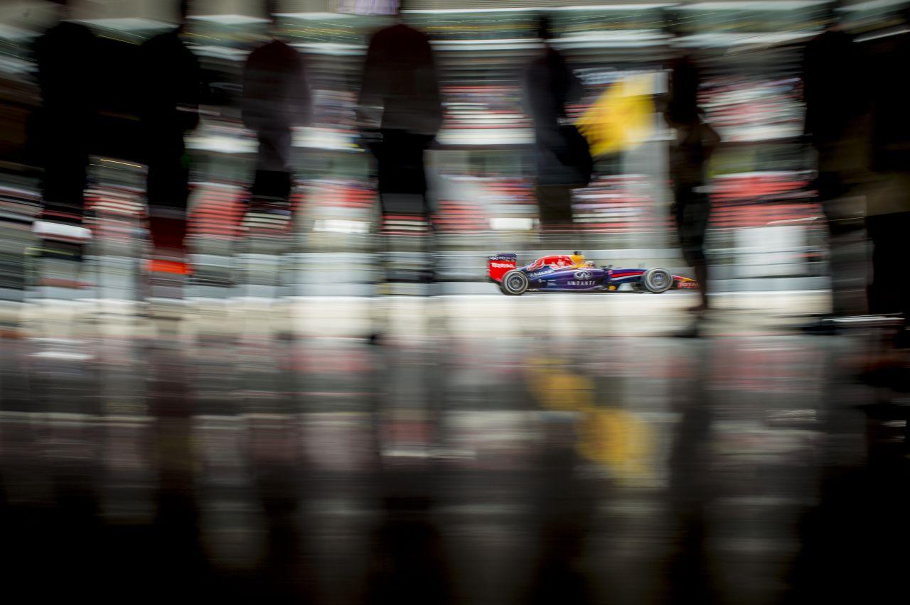 Vettel Monacóban befogná a Mercedeseket: remény, hogy nem kell annyi motorerő