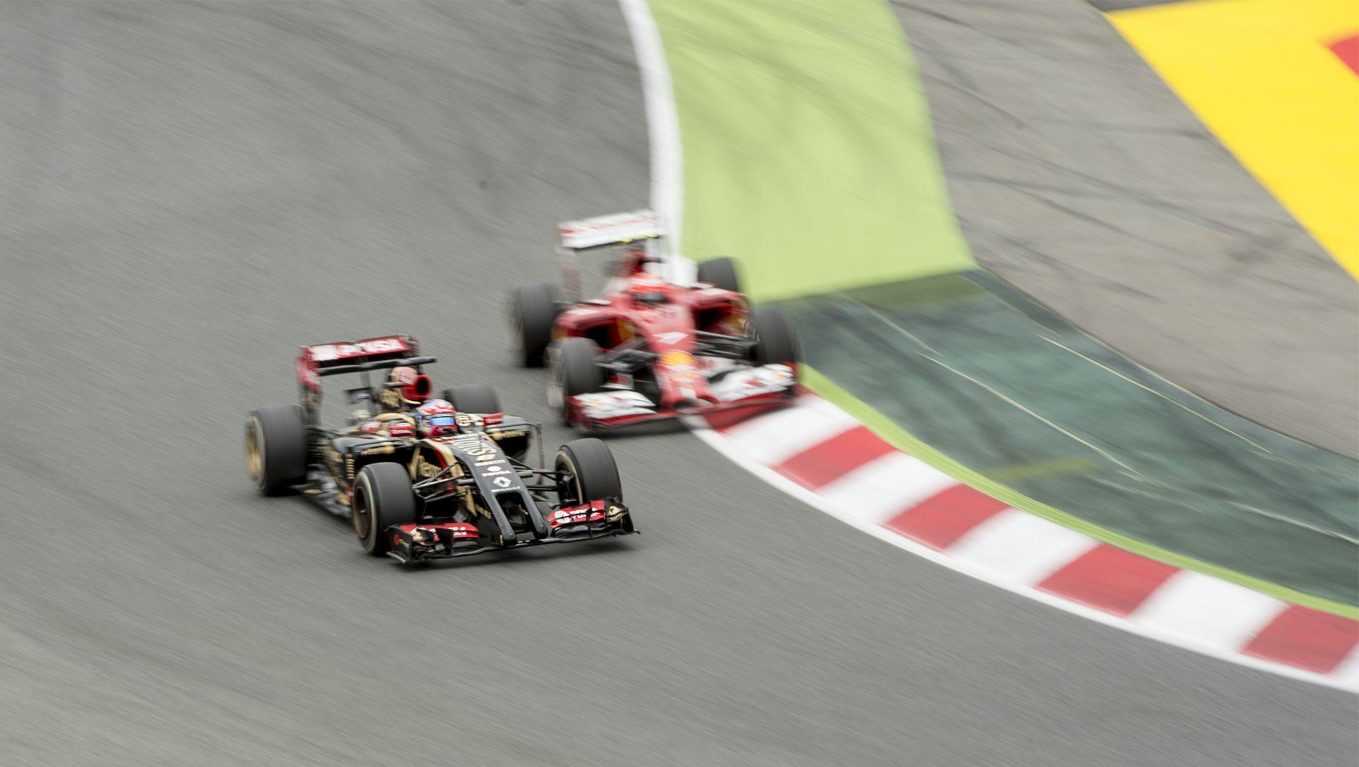 A Lotus levadászná a vergődő Ferrarit