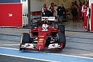 Vettel örül, hogy rögtön az élen nyitott a Ferrarival