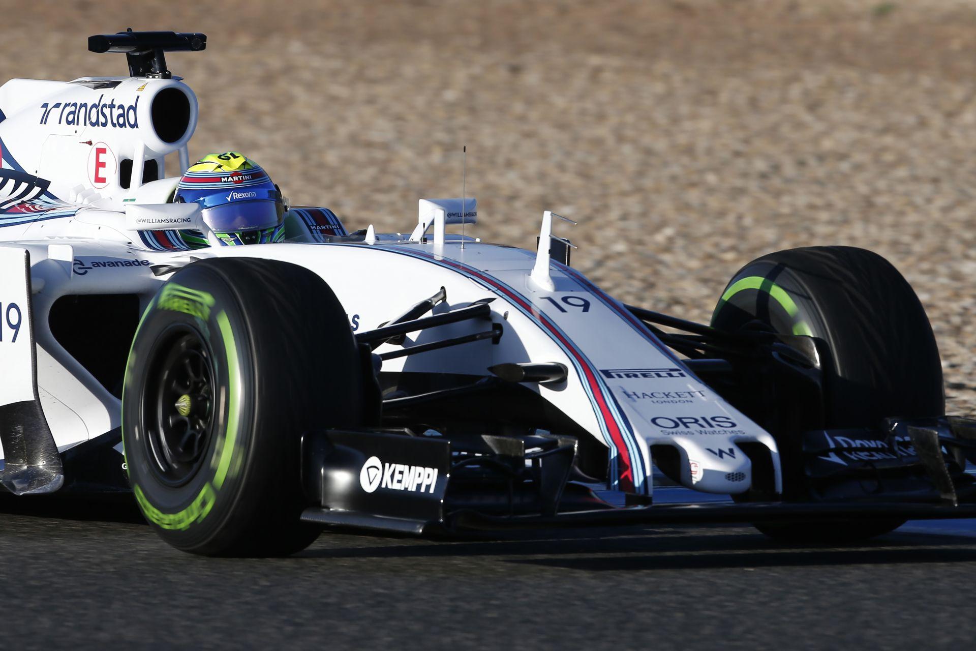 Massa nem gondolkozik a visszavonuláson