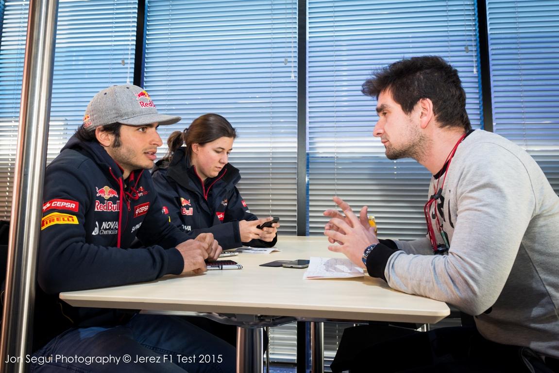 Carlos Sainz Jr. válaszolt a GP-Live.hu olvasóinak: exkluzív interjú a spanyol újonccal!