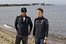 Ha két Hamilton harcol egymással Bahreinben, egyik Mercedes sem ér célba