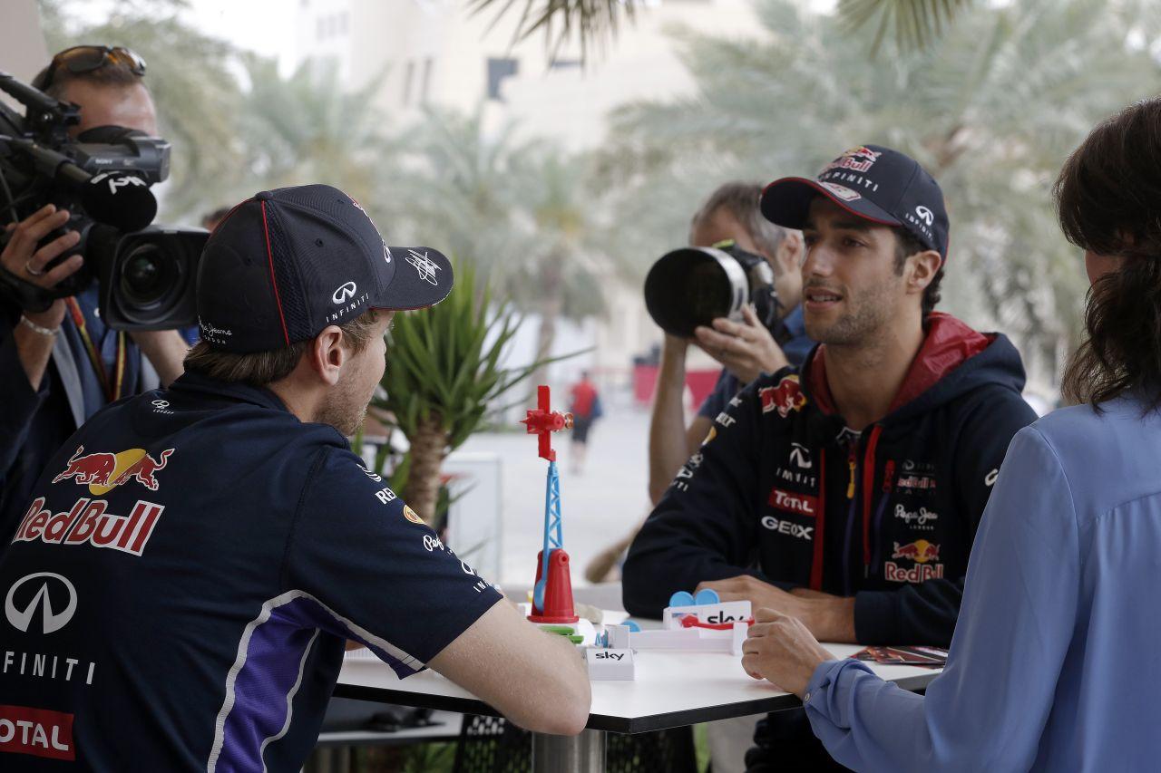 Vettel a fékezések és a kigyorsítások alatt szenved: Ricciardo csak beül, nyomja a gázt