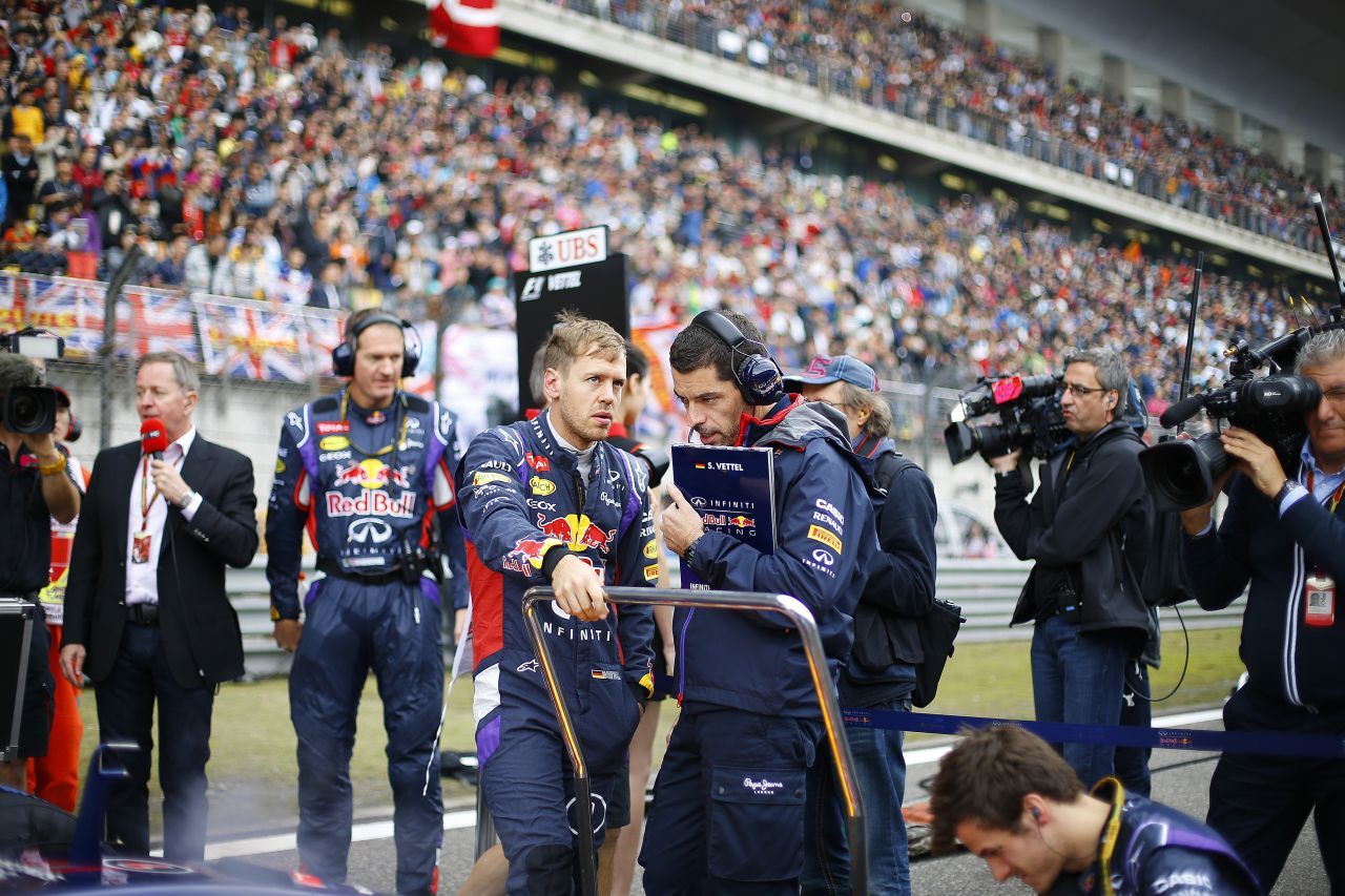 Vettel fegyelmezett és áldozatkész, akárcsak Senna: Dennis nem fukarkodik a dicsérettel