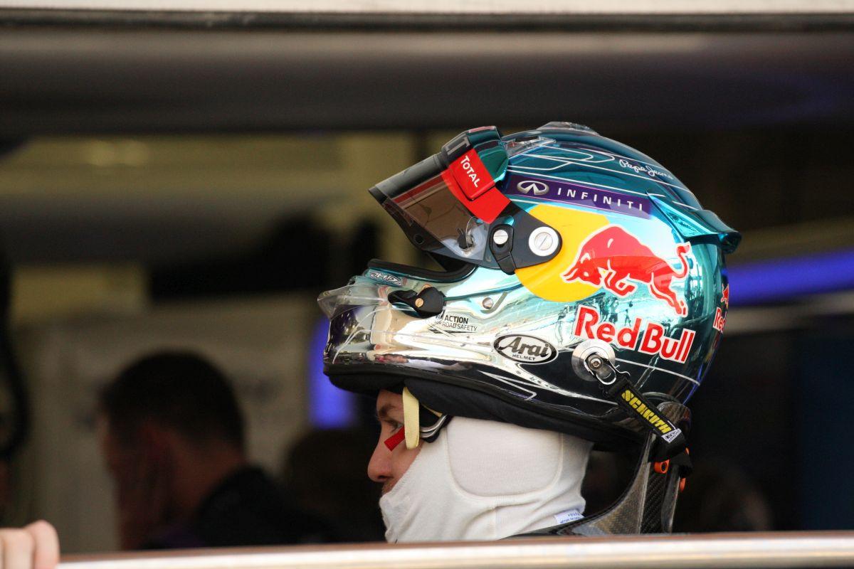Massa az abszolút legjobb idővel nyert Bahreinben a Mercedes előtt! Darabokra hullik a Red Bull