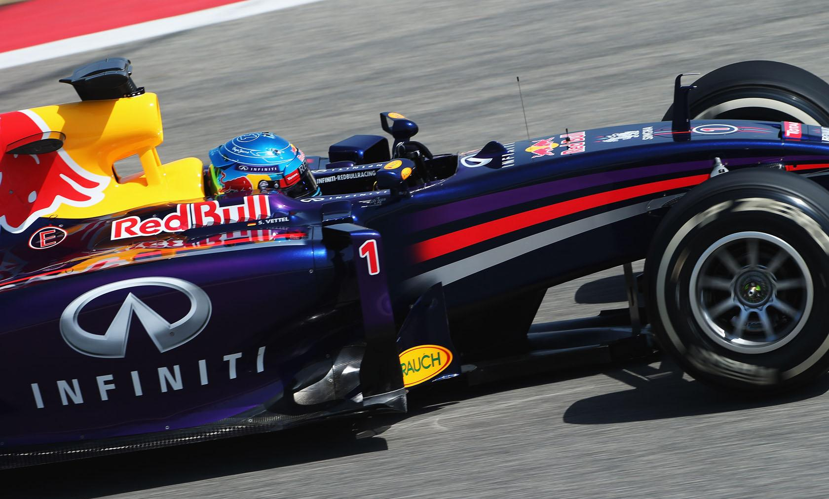 Vettel sokáig fent hagyná az 1-es rajtszámot az autóján - Alonso újra kemény ellenfél lehet