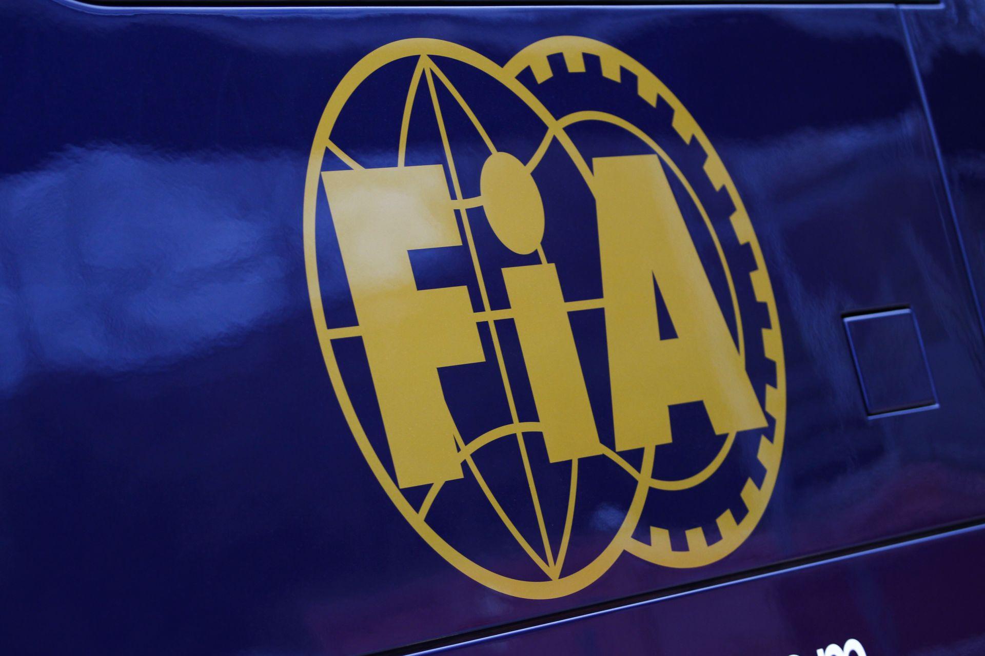 Belejött az FIA: Magnussen és Bianchi is 2 büntetőpontot kapott