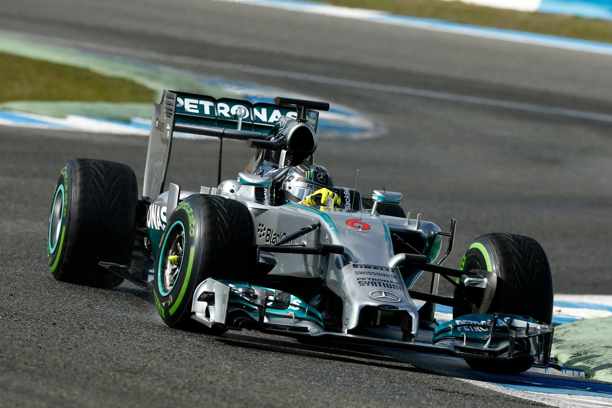 Ecclestone: bármi történhet, de szerintem Rosberg és a Mercedes esélyes a címre