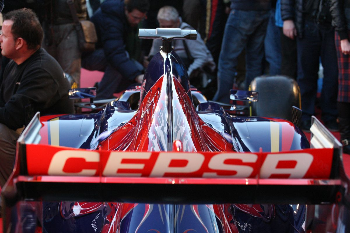 Még sincs minden rendben a Renault körül - nehézségek a Toro Rosso forgatásán