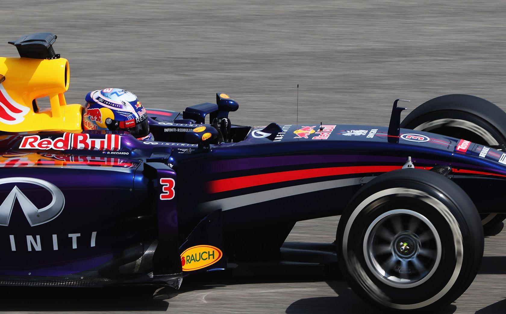 Valami el(be)indult a Red Bull-nál: Ricciardo boldog