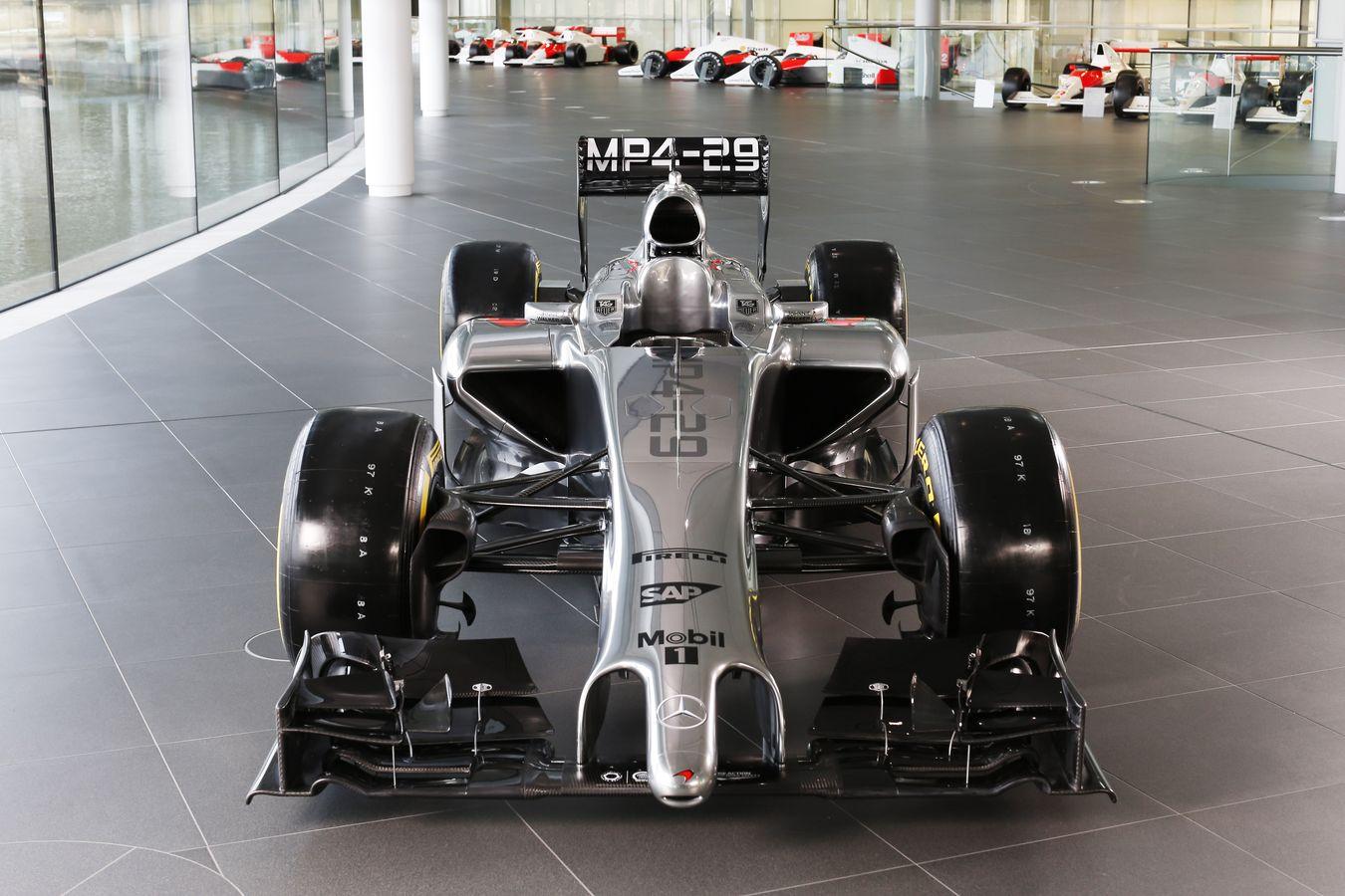 Egy új hivatalos videó a 2014-es McLarenről: Egészen közelről az MP4-29