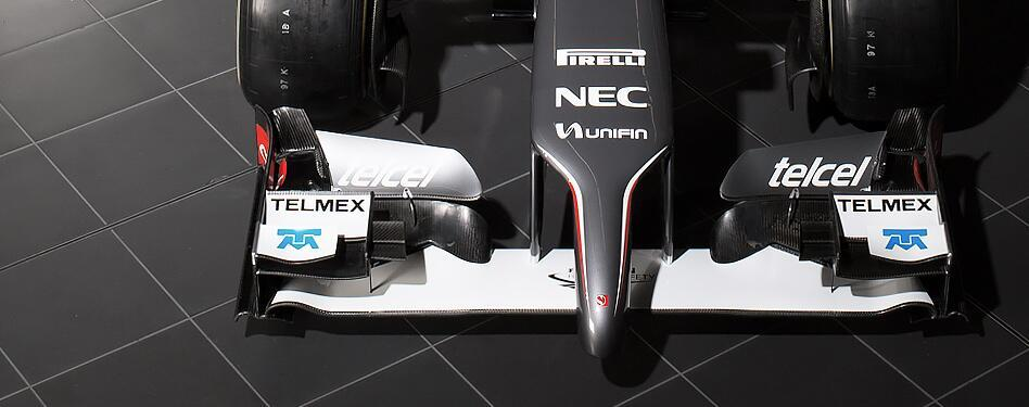 Szemből is megmutatta az autóját a Sauber: Az eddigi legrondább orr?