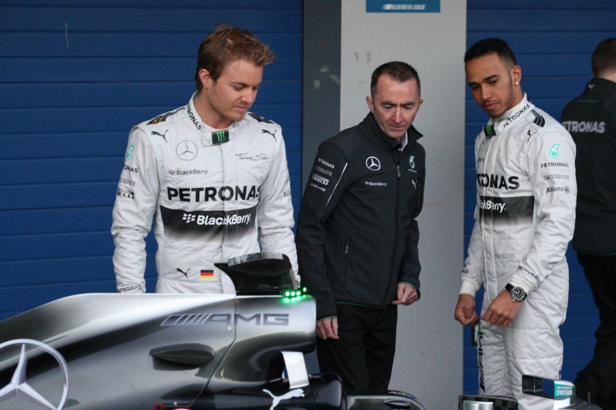Hamilton: Nagyon pozitív volt az első tesztnapunk!