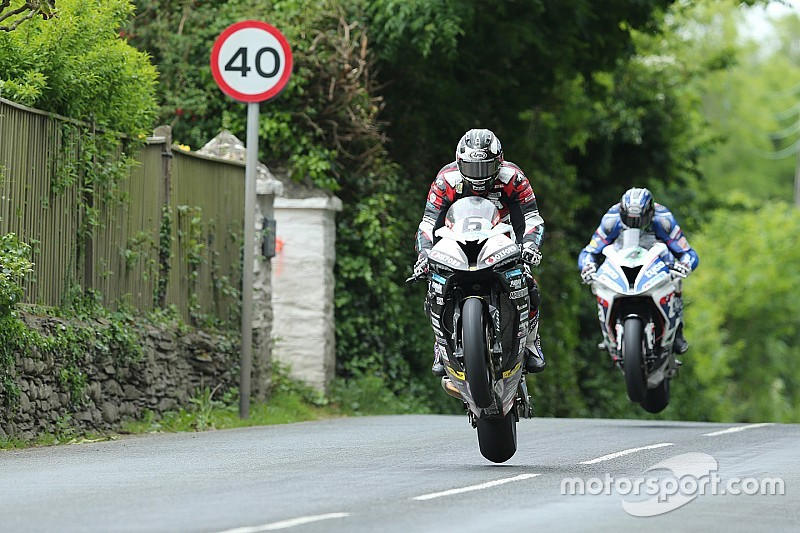 Isle of Man TT: Michael Dunlop deklassiert Rest der Welt in Senior TT