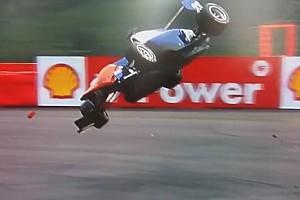 GP3 BRÉKING Videón az év egyik legnagyobb bukása a motorsportban: Belgiumban repült hatalmasat a versenyző