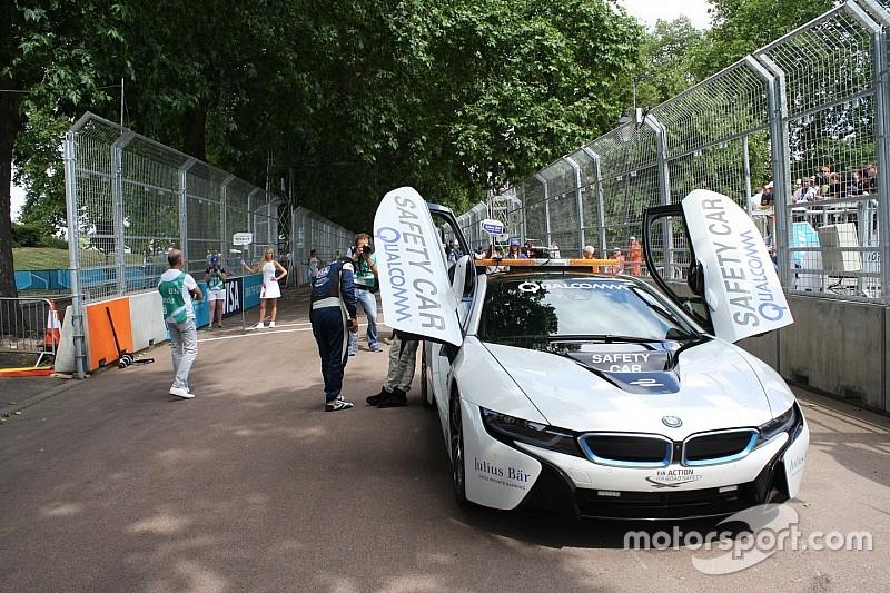 'BMW i8 krijgt volledig elektrische aandrijving met drie motoren'