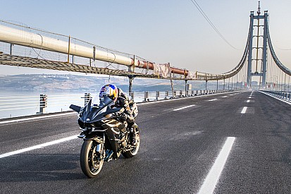 Sofuoglu packt's: Topspeed-Rekord mit 400 km/h auf der Ninja H2R